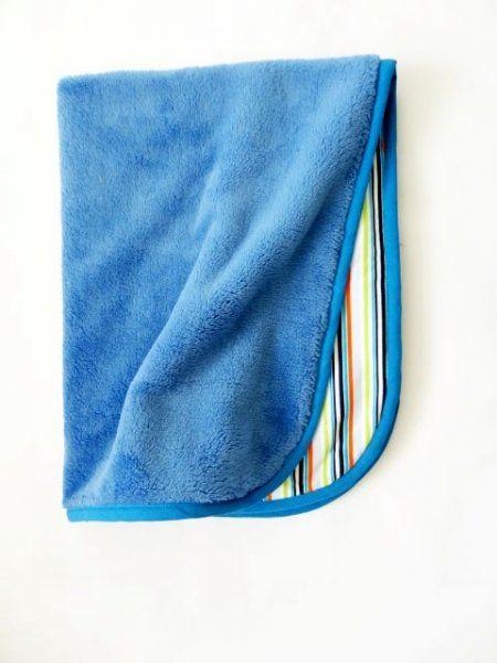 Oboustranná deka 70x90 cm - modrá / barevné pruhy MeeMee