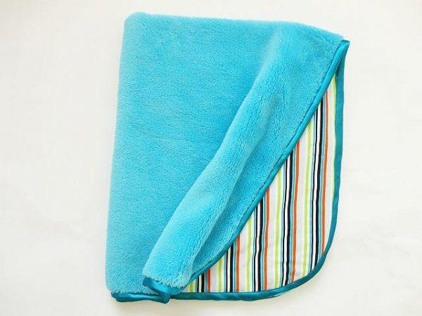Oboustranná deka 70x90 cm - tyrkys / barevné pruhy MeeMee
