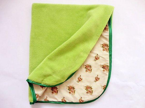 Oboustranná deka 70x90 cm -zelená/hnědé růžičky MeeMee
