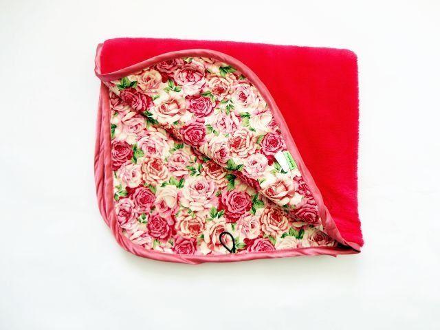 Oboustranná deka z limitované kolekce Růže - malinová MeeMee