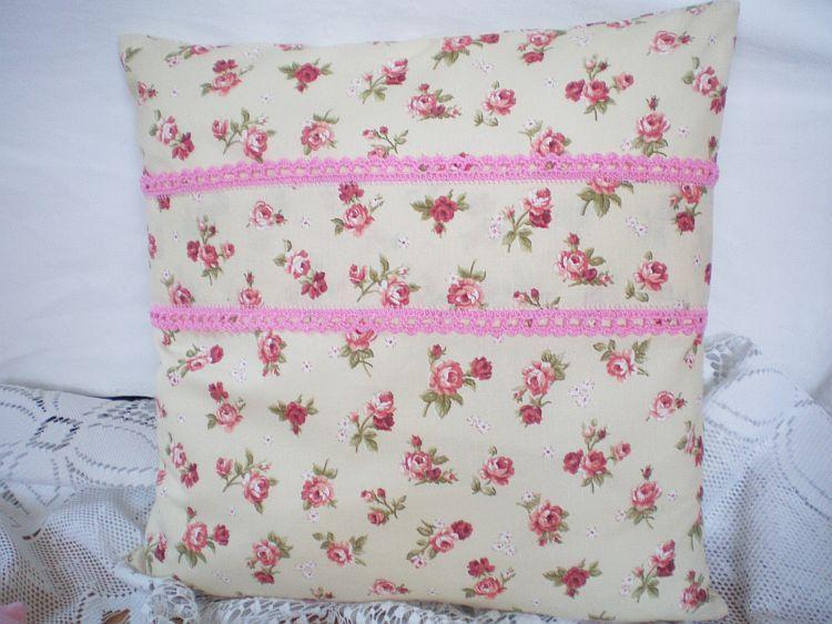 Růžičky - polštářek s výplní čtverec MeeMee